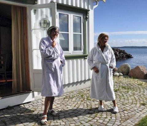 BADEHUSET: Her tilbringer Åsgårdstrands badeglade damer mye tid. Menn ingen adgang!